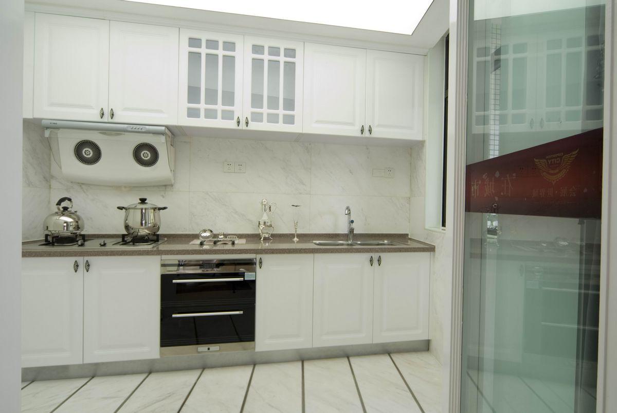 大户型现代风格厨房装修设计