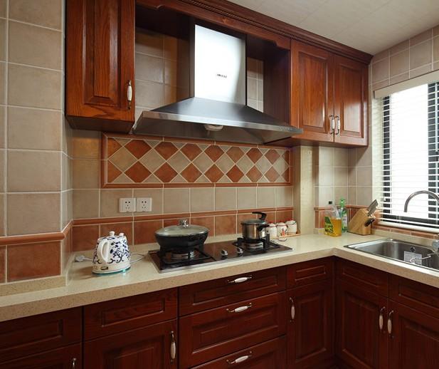 2014美式厨房实木橱柜图片
