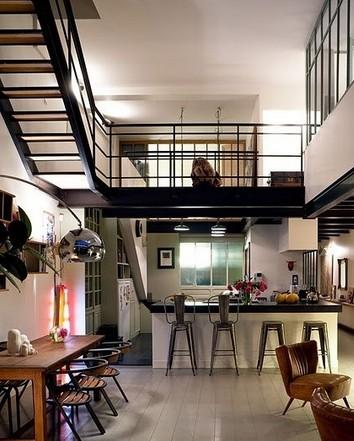 最新欧式现代复式楼装修图片