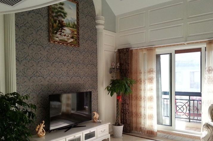 欧式复式楼客厅电视墙装修效果图