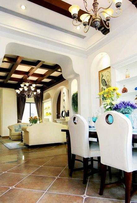 地中海风格客厅吊顶装修效果图欣赏