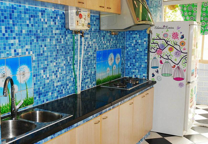 二居地中海式厨房装修效果图