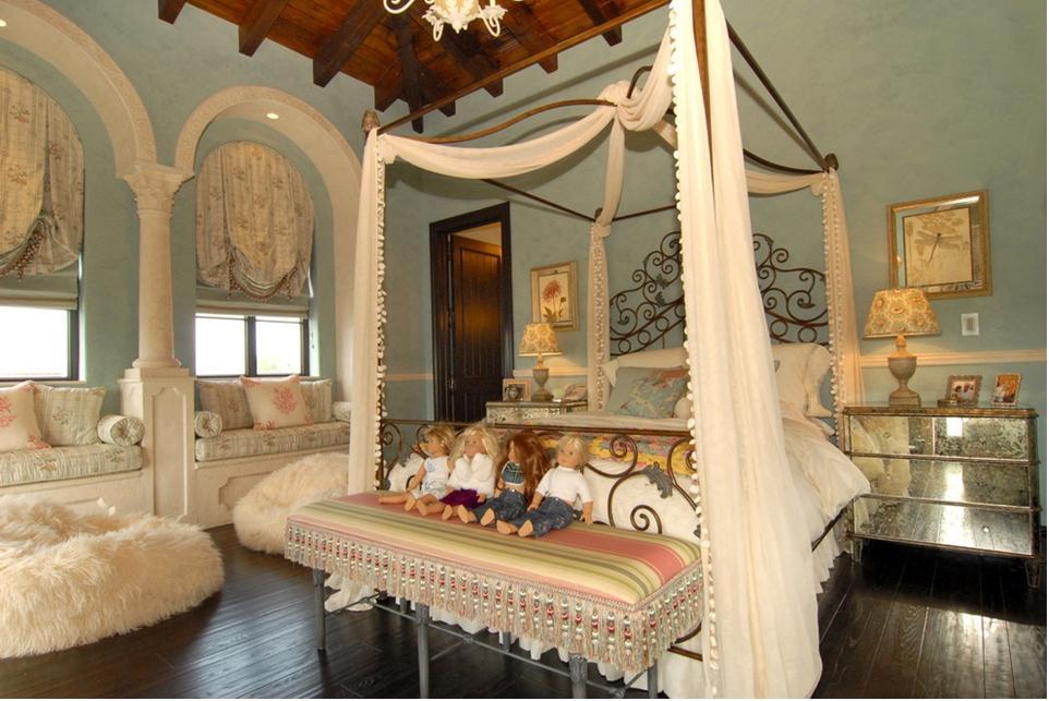 别墅温馨欧式儿童房装修效果图