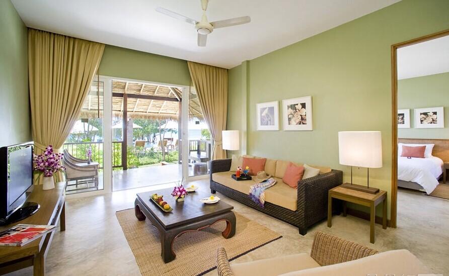 105平暖色客厅装修效果图