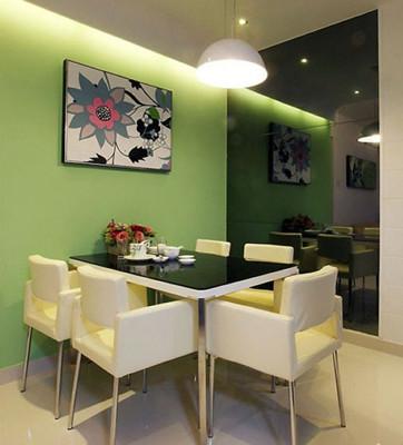 绿色墙面搭配什么颜色沙发好看