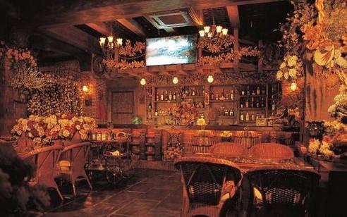 首页 >咖啡店装修效果图欣赏大全       这一款咖啡厅的装修大家一看