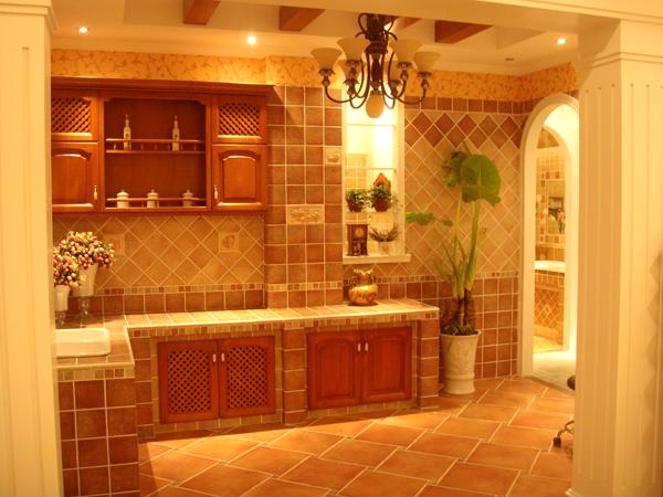 在我们的厨房、卫浴都少不了瓷砖来保护我们家居的墙壁安全。一个好的瓷砖可以防水防潮等功能,如果购买到劣质的瓷砖会给我们带来很多困扰和麻烦。所以在家居装修当中,瓷砖也是消费者们关注的焦点。蜜蜂瓷砖是瓷砖行业品牌中的佼佼者,那么蜜蜂瓷砖怎么样?下面小编就给大家讲讲蜜蜂瓷砖,并给大家带来蜜蜂瓷砖官网最新价格表,帮助广大消费者选购。  【蜜蜂瓷砖简介】   蜜蜂瓷砖是意大利品牌。十六世纪的意大利,有一家叫做法恩蒂的陶瓷手工作坊。在世代相传之中,产权几经变动,经营逐渐壮大。1874年,作坊的最后一位业主朱塞佩布奇决定