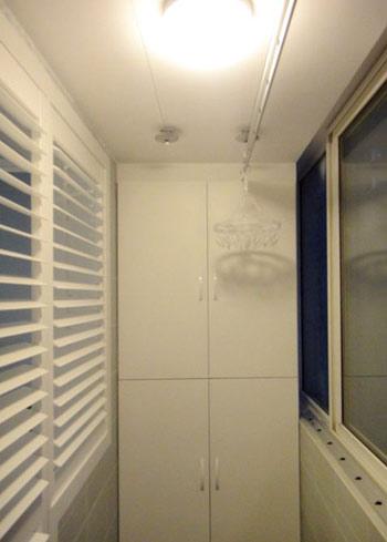 中式风格采用竹编篓子当做阳台柜子.