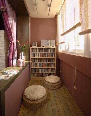 除了阳台升降晾衣架,现代(装修效果图)晾晒的装置也多种多样,户外晾