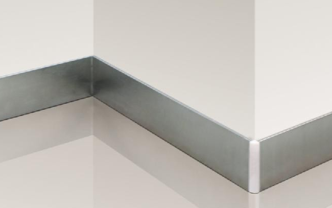 瓷砖踢脚线安装步骤二:施工方法