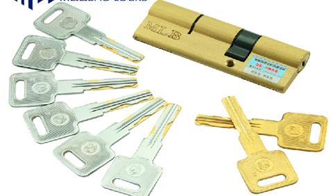 其中的欧标304不锈钢室内门锁具纯铜锁芯更是消费者