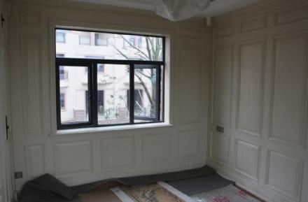 原木护墙板是区别于实木多层复合和密度纤维板为板基