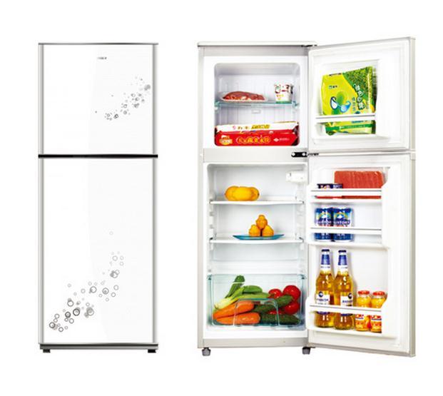 冰箱的外壳最好每天都进行清洁